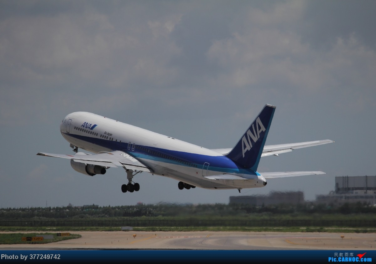 Re:[原创]趁着最后的好天气去趟PVG,烂技术请多包涵。西园会、世博320、长荣744、AC763、UA744。回去磁悬浮飙到430KM一刚。 BOEING 767-300 JA605A 中国上海浦东机场