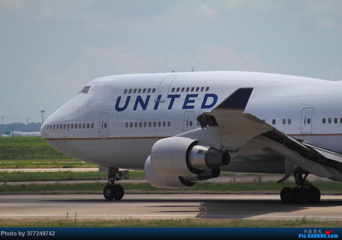 Re:[原创]趁着最后的好天气去趟PVG,烂技术请多包涵。西园会、世博320、长荣744、AC763、UA744。回去磁悬浮飙到430KM一刚。 BOEING 747-400  中国上海浦东机场