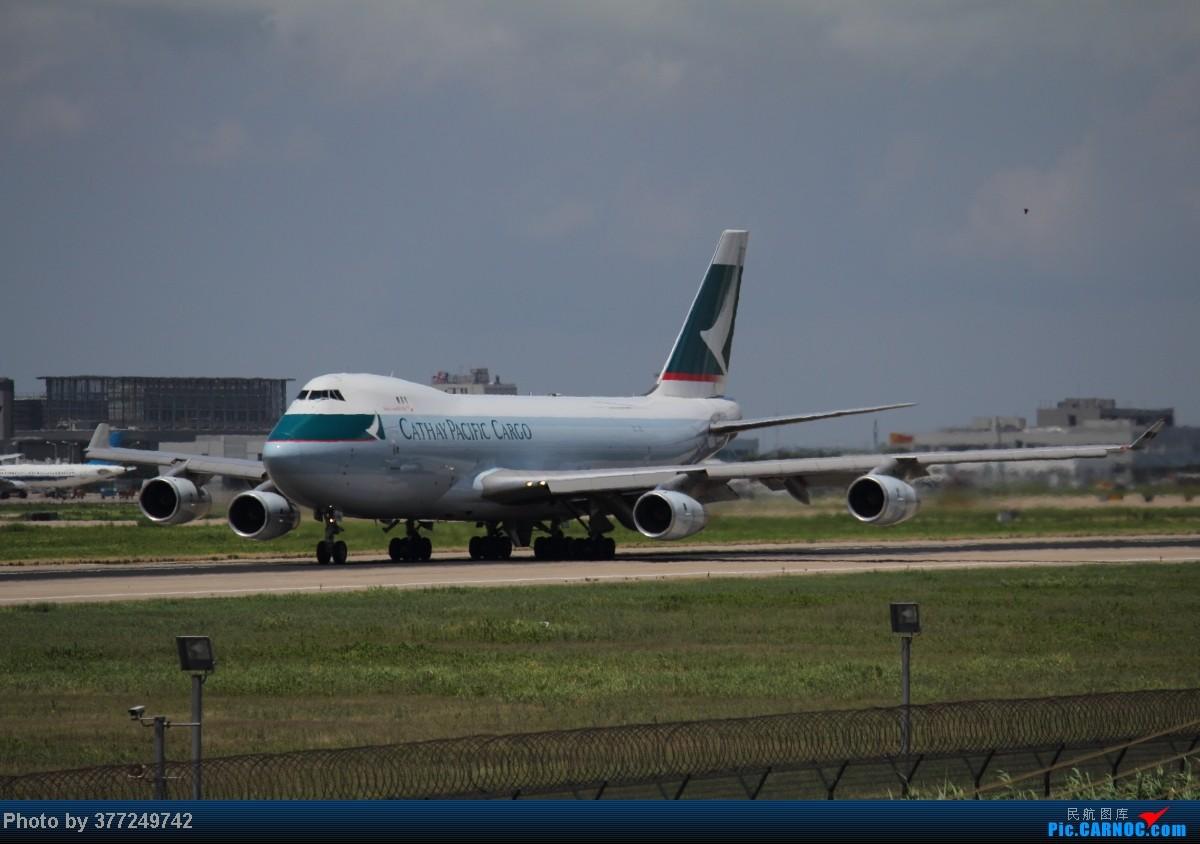 Re:[原创]趁着最后的好天气去趟PVG,烂技术请多包涵。西园会、世博320、长荣744、AC763、UA744。回去磁悬浮飙到430KM一刚。 BOEING 747-400 B-HUM 中国上海浦东机场