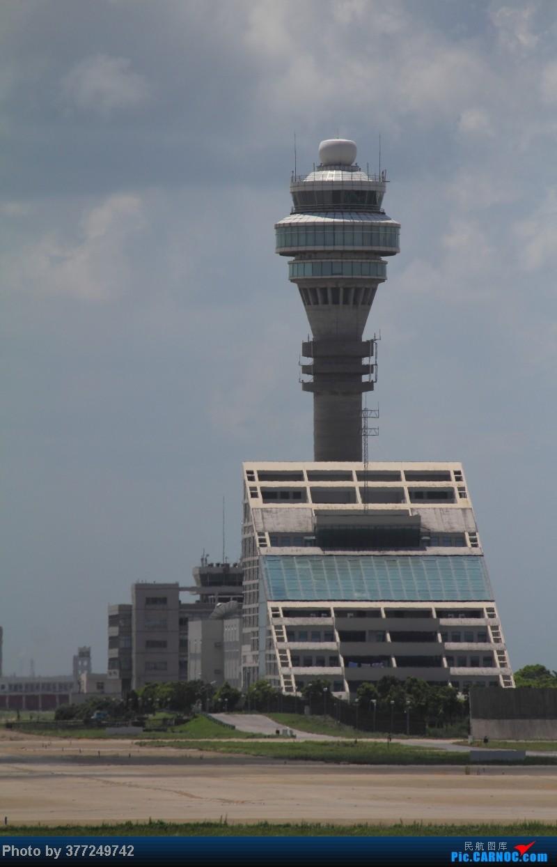 Re:[原创]趁着最后的好天气去趟PVG,烂技术请多包涵。西园会、世博320、长荣744、AC763、UA744。回去磁悬浮飙到430KM一刚。    中国上海浦东机场