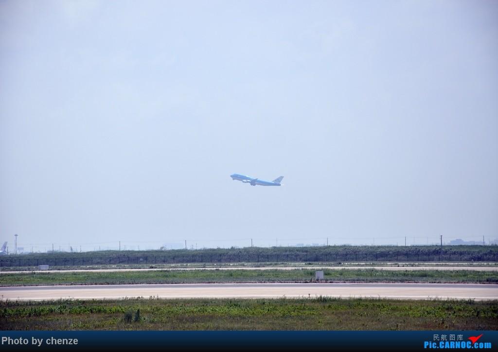 Re:[原创]浦东的天不咋蓝了,但还是要拍滴!!有点小惊喜!发现临时拍机位! BOEING 747-400