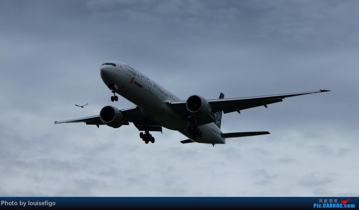 [原创]B-2032!雨过天不晴,小鸟似精灵。归家第一闪,大家齐欢迎!   :)   欢迎国航首架星空联盟大猩猩涂装B77W回家! BOEING 777-300ER B-2032 北京首都国际机场