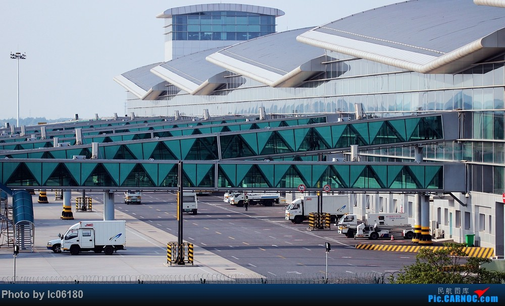 Re:[原创]『KHN』傍晚的昌北机场-大中小飞机齐在 普装彩绘都来    中国南昌昌北机场
