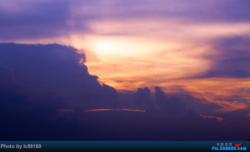 Re:[原创]『KHN』傍晚的昌北机场-大中小飞机齐在 普装彩绘都来