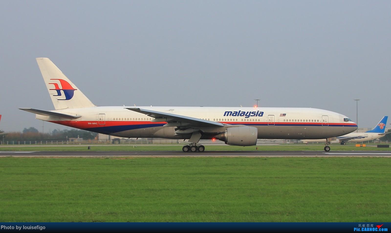 Re:[原创]闲来无事天气闷,发点冷饭自娱乐!!!PEK西跑的降落杂图~发到哪儿是哪儿啊!随心情! BOEING 777-200 9M-MRC 北京首都国际机场