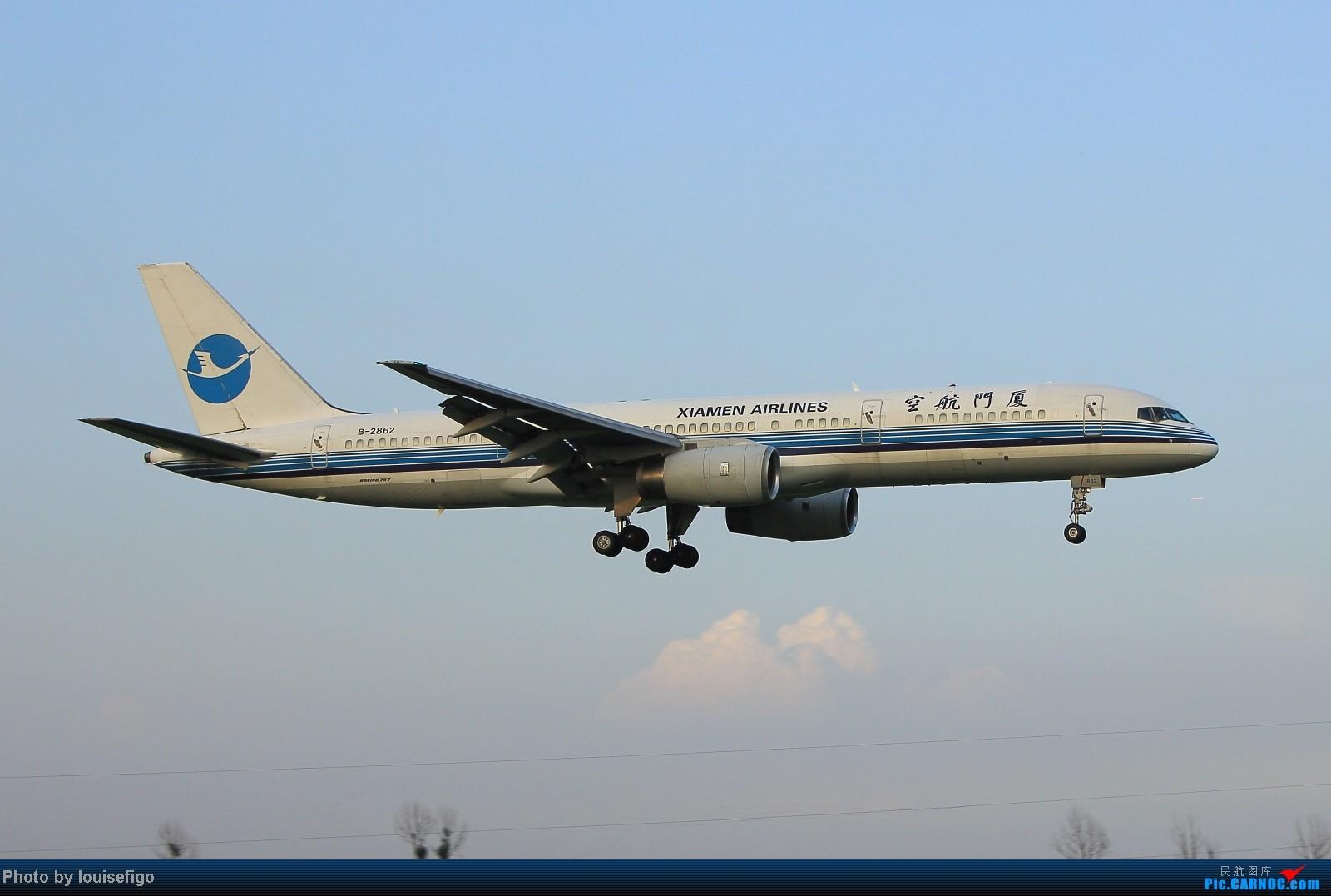 Re:[原创]闲来无事天气闷,发点冷饭自娱乐!!!PEK西跑的降落杂图~发到哪儿是哪儿啊!随心情! BOEING 757-200 B-2862 北京首都国际机场