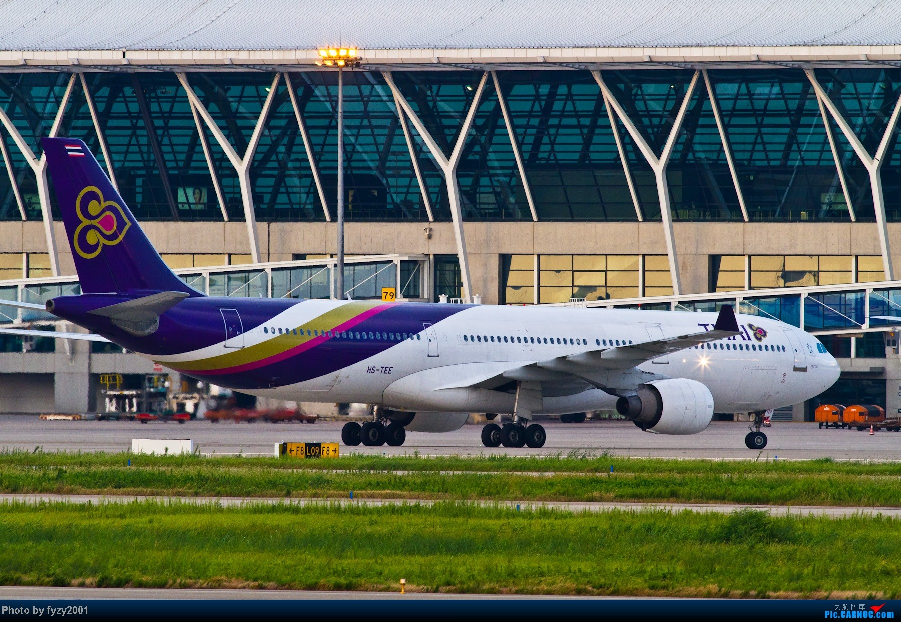 Re:[原创][无锡西站]一周之内SHA&PVG追逐美好光线……多图党,不知你的电脑能承受多少张1800~~~~~ AIRBUS A330 HS-TEE 中国上海浦东机场