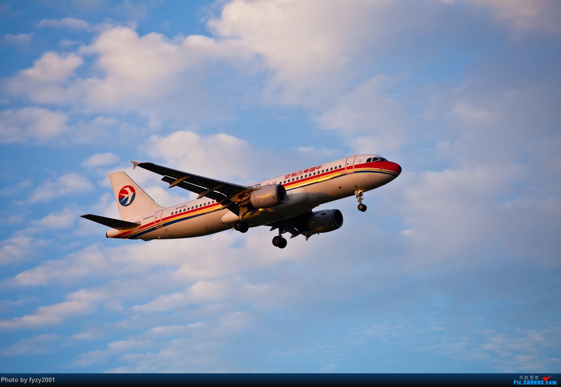 Re:[原创][无锡西站]一周之内SHA&PVG追逐美好光线……多图党,不知你的电脑能承受多少张1800(更新ing)~~~~~ AIRBUS A320-200 B-6002 中国上海浦东机场