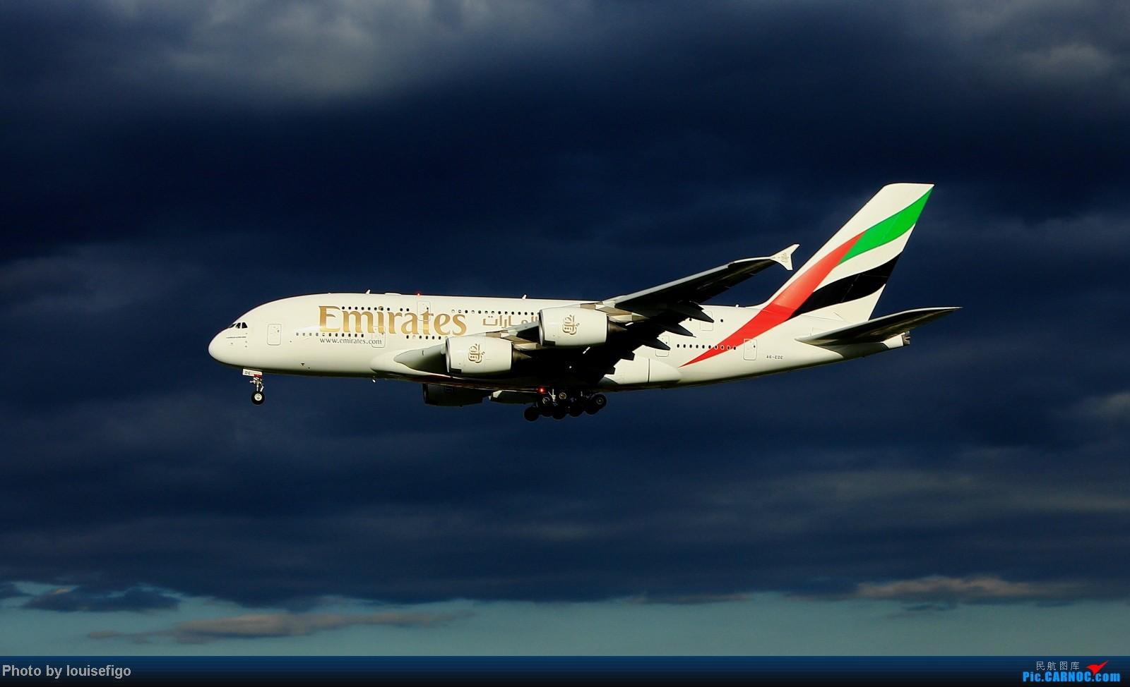 [原创]【一图党】!FLY EMIRATES A380-800 一张!就一张!妖光魅影,敬请欣赏! AIRBUS A380-800 A6-EDE 北京首都国际机场