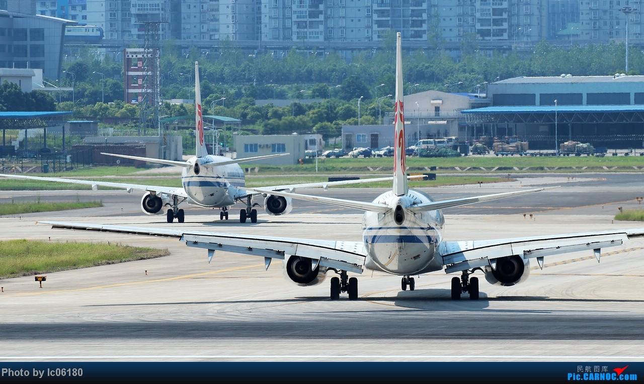 Re:[原创]『lc06180』CKG - 跑道20R落地 BOEING 737-800 B-2670 中国重庆江北机场