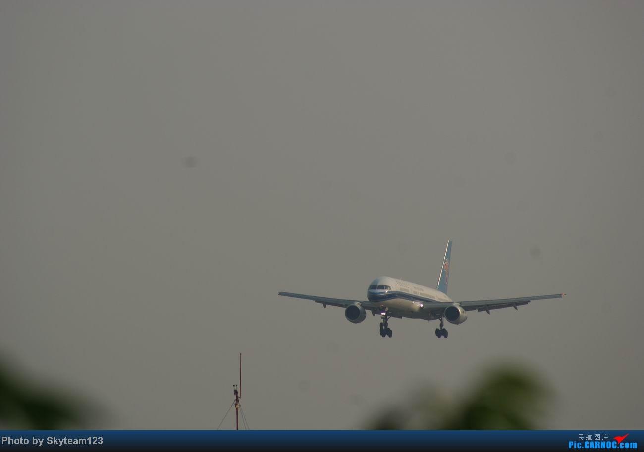 Re:[原创]白云西跑拍机,再见铁丝网,迎接新角度。 AIRBUS A320-200 B-2340
