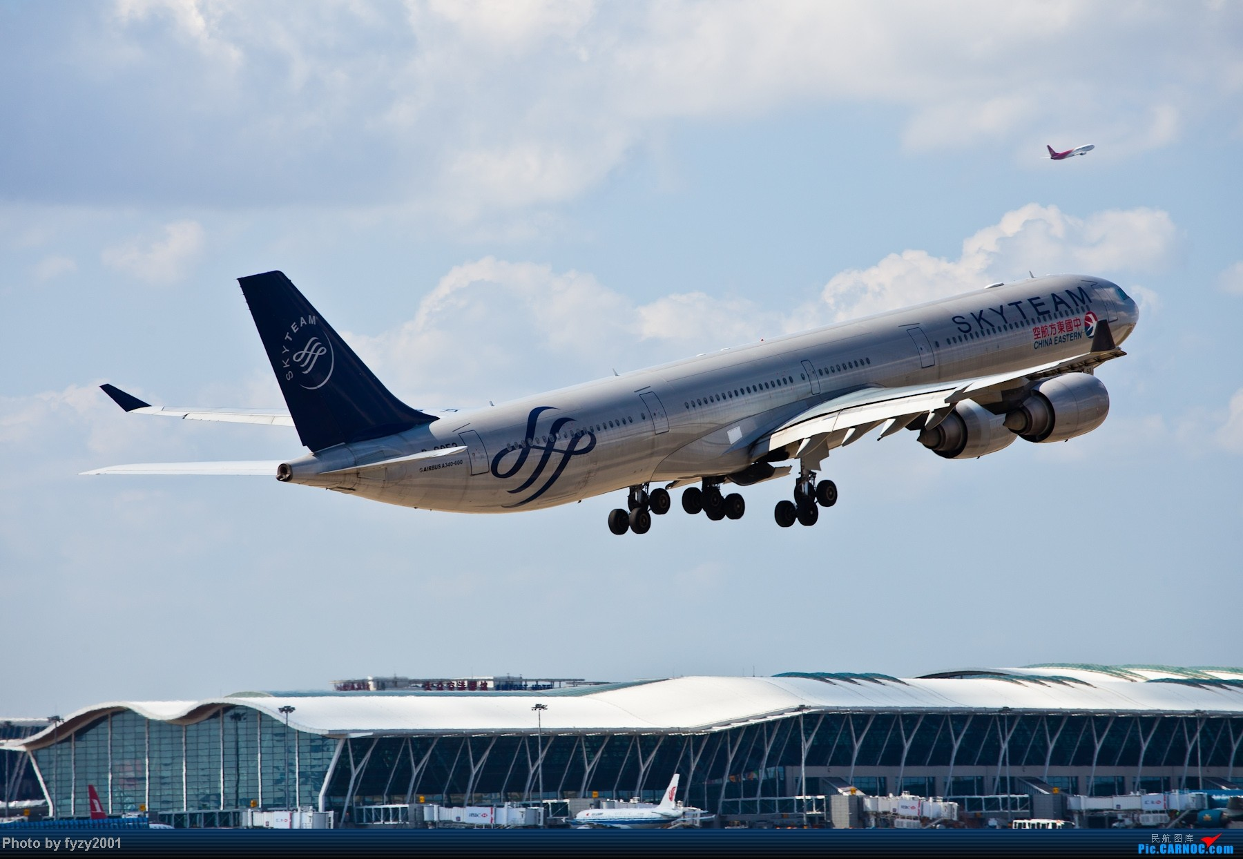 Re:[原创][无锡西站]长假PVG蹲守~~~~只发大图,多图杀猫~~~~ AIRBUS A340-600 B-6052 中国上海浦东机场