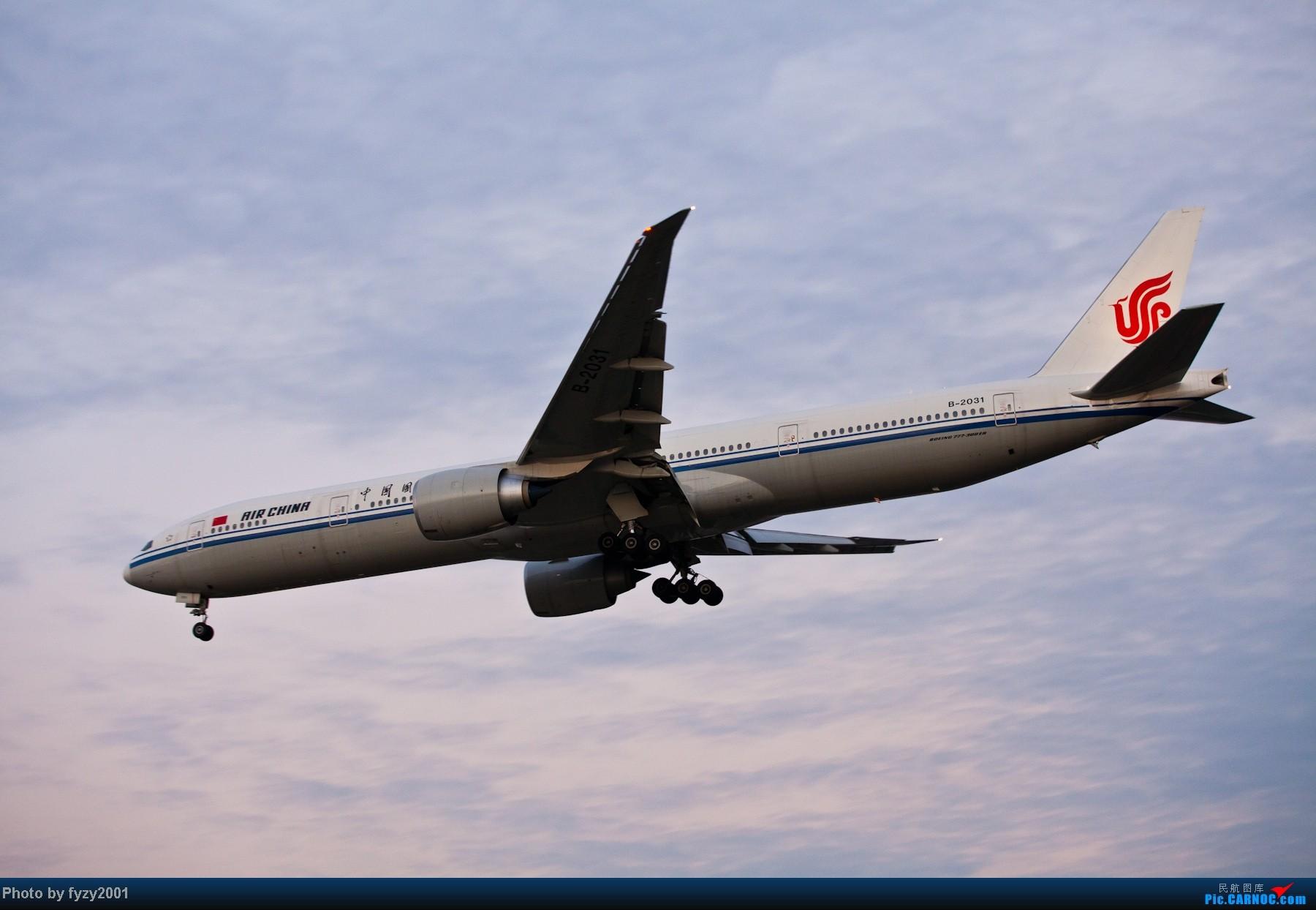 Re:[原创][无锡西站]追逐光影的脚步(1800大图) BOEING 777-300 B-2031 中国上海虹桥机场