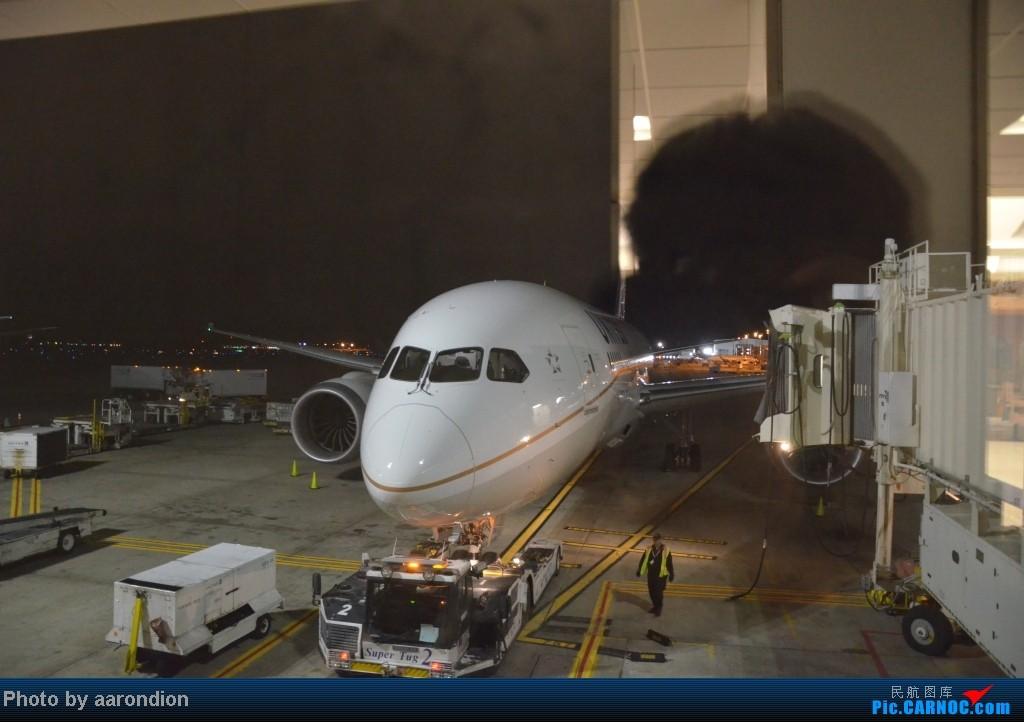 Re:[原创]破相机+手机照片 第一次国内过夜航班,第一次767-400ER、787-8,第一次去旧金山 好多第一次! 767-400ER   美国休斯敦机场