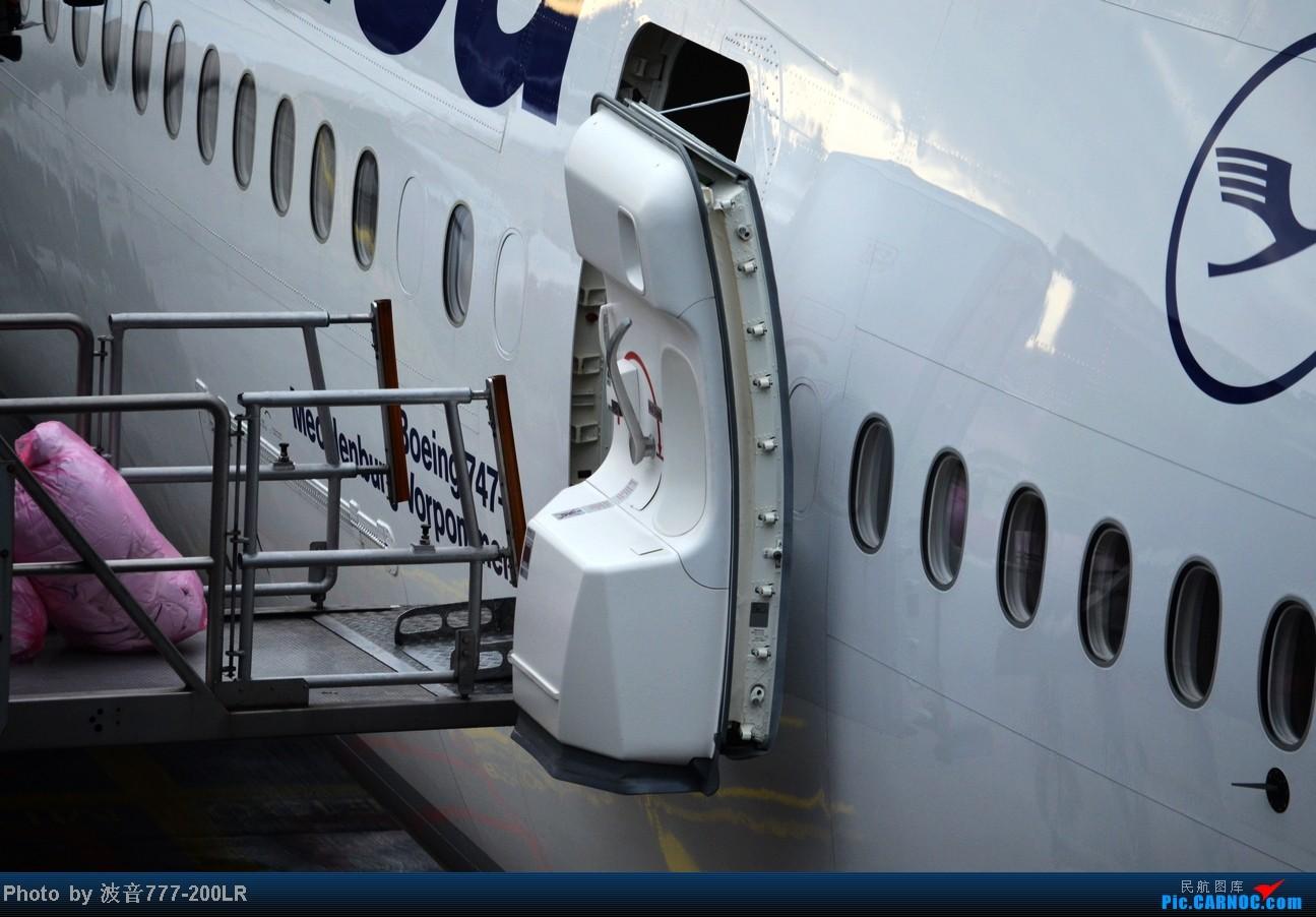 Re:[原创]【长春飞友会】结交须胜己,似我不如无,顶级四引擎重型客机之争(记于乘坐波音748经济舱、空客388商务舱飞越大半个地球之后)