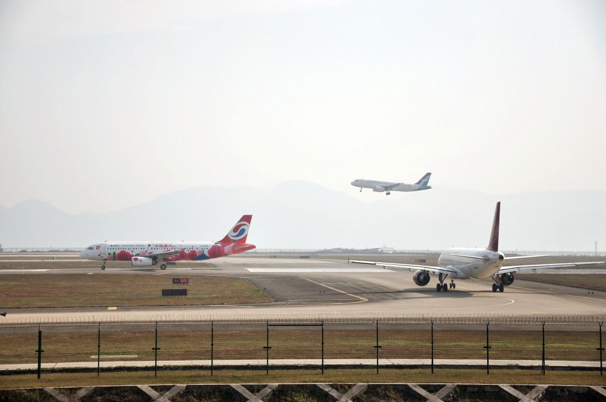 Re:【CKG】2012年最后一次拍机。。没想到还蛮给力的嘛。。。祝大家幸福吉祥圣安。。。。 AIRBUS A320-200 B-6922 CKG