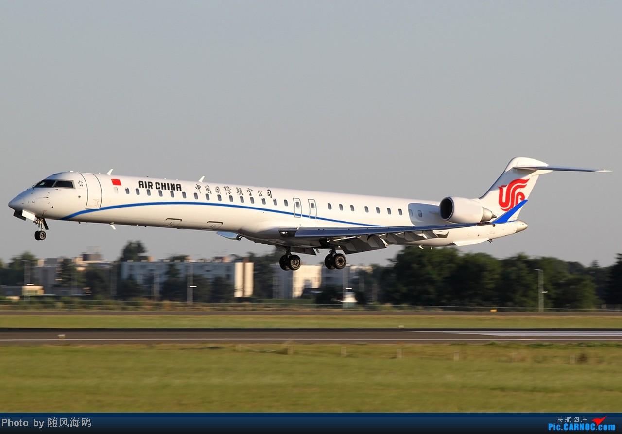 Re:[原创]【原创】国航新涂装 CANADAIR CL-600-2B19 REGIONAL JET CRJ-1000