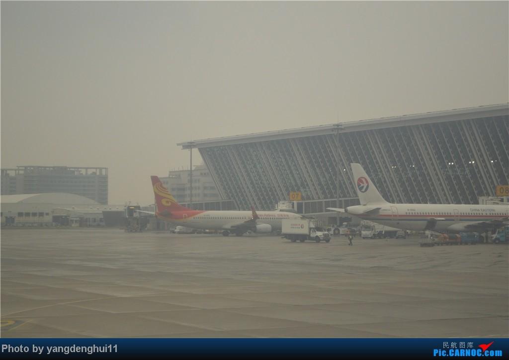 Re:[原创]过年回老家!!!CTU-PVG-上海虹桥站-动车D3103到温州苍南       本人是12岁的小朋友,但天生喜欢飞机,就发了本帖,希望大家谅解拍的不好的地方。 B737-800  中国上海浦东机场