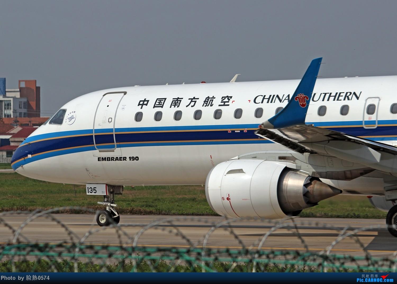 Re:[原创]航班太少了,先上几张近身照 EMBRAER E-190 B-3135 中国宁波栎社机场
