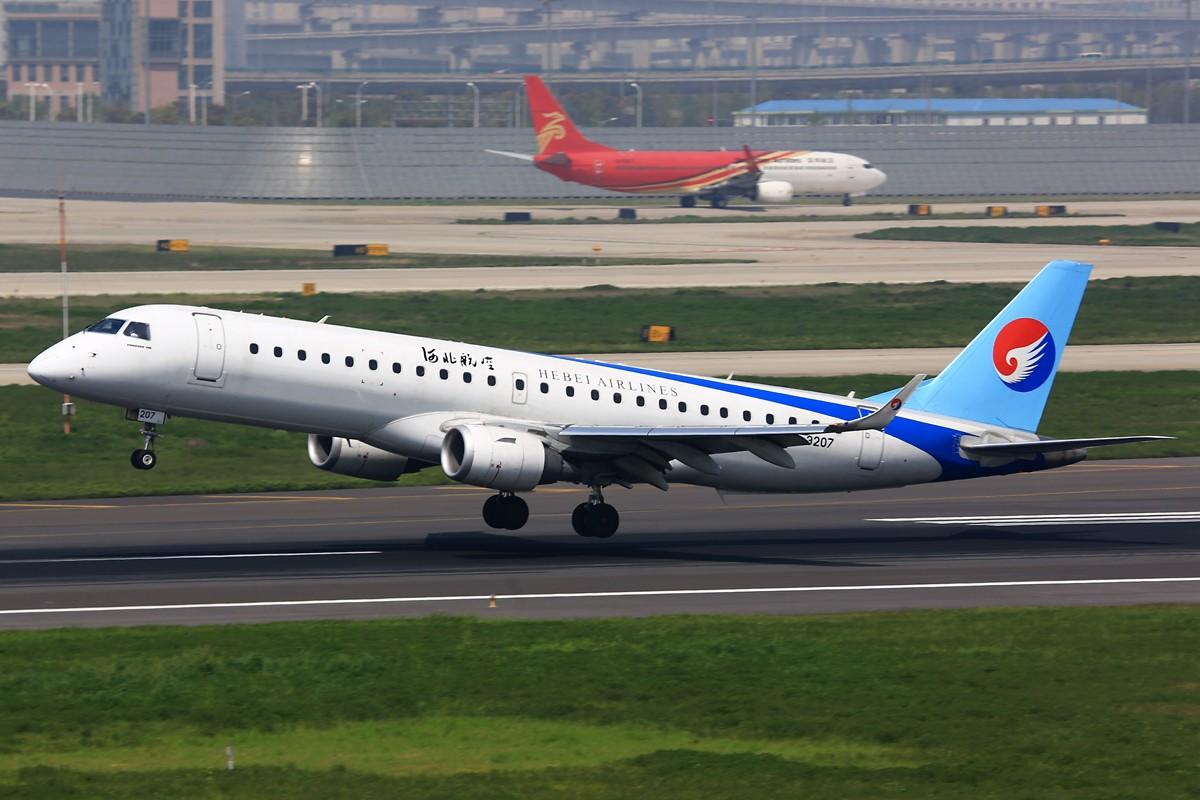 Re:[原创]【BLDDQ】******入门单反拍飞机还是杠杠的,CCD用到400又如何******   中国上海虹桥机场