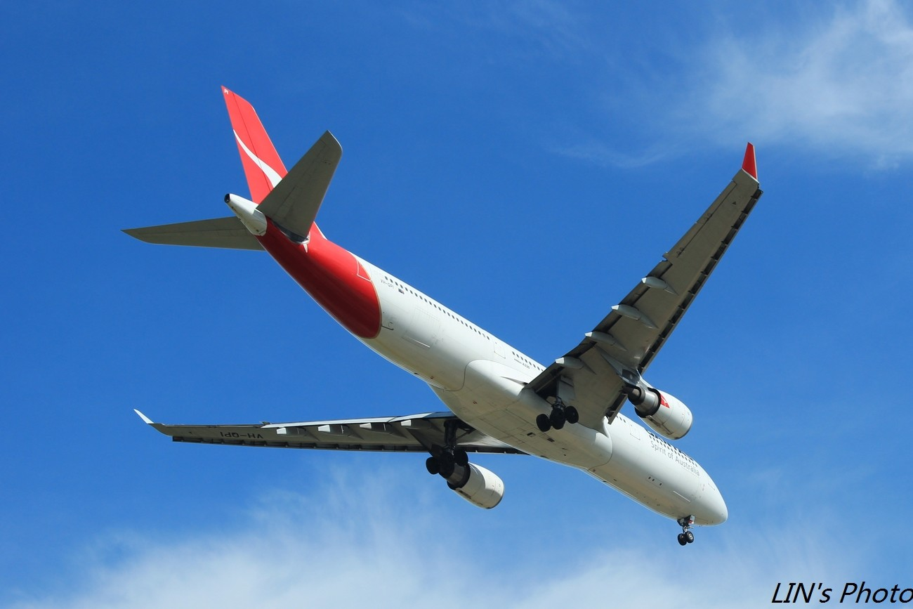Re:[原创]【打机在SIN】终于找到樟宜机场传说中的那个神仙位~光线巨赞~樟宜有多少好货就不多说啦! AIRBUS A330-300 VH-QPI 新加坡樟宜机场