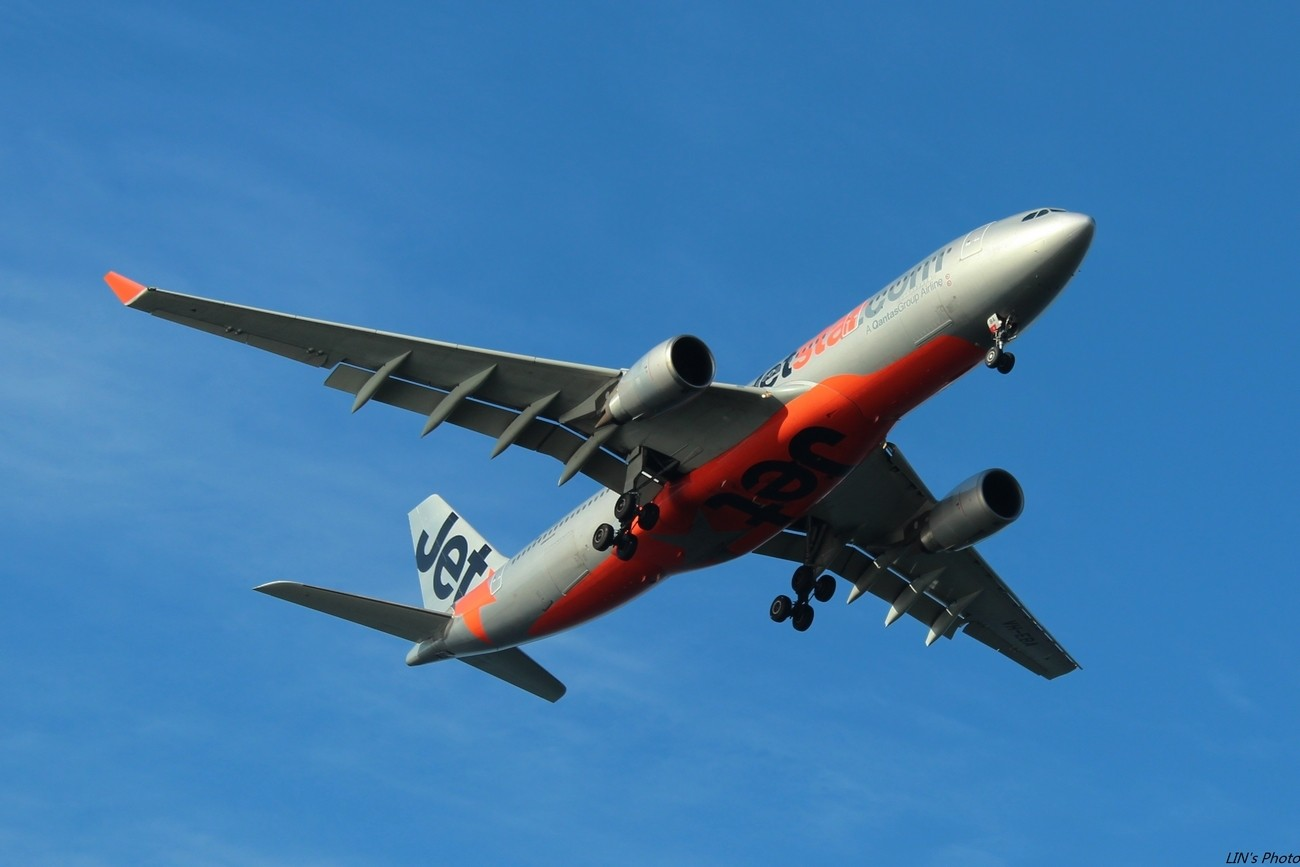 Re:[原创]【打机在SIN】终于找到樟宜机场传说中的那个神仙位~光线巨赞~樟宜有多少好货就不多说啦! AIRBUS A330-200 VH-EBA 新加坡樟宜机场