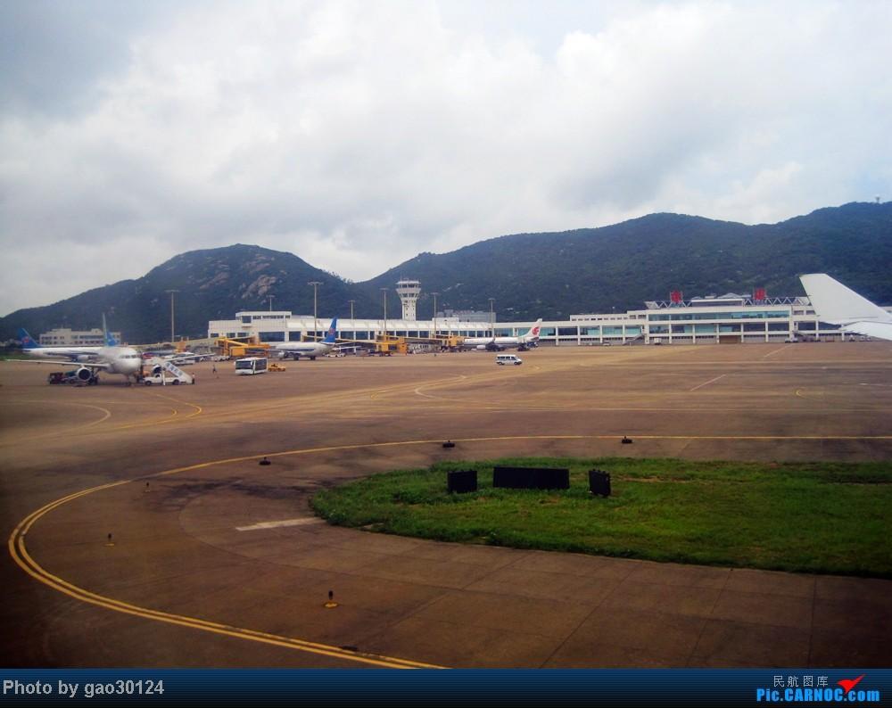 体验珠海机场首个宽体定期航班 boeing 737-800 b-5518 中国珠海金湾