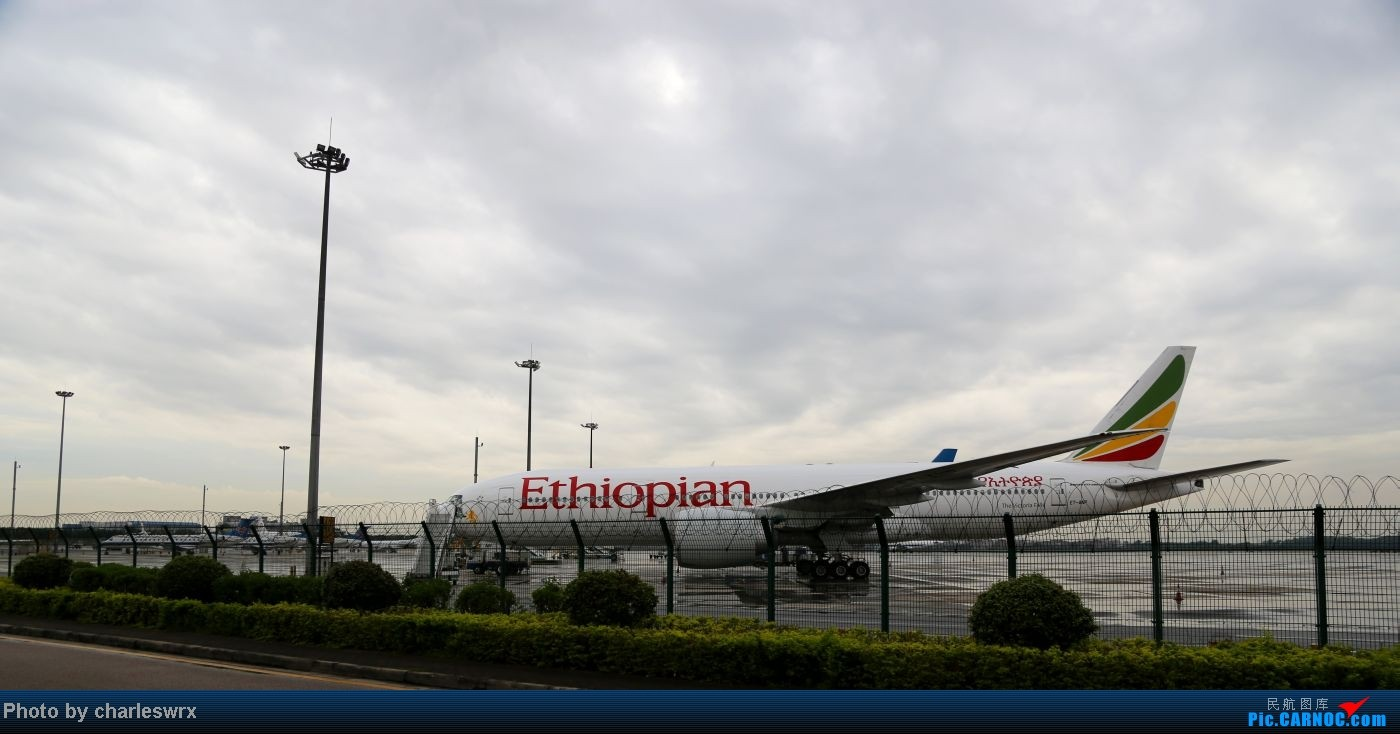 Re:[原创]【迟到的照片】迎接南航787以及隔一天的煤堆土堆烂天小拍 BOEING 777-200LR ET-ANP 中国广州白云机场