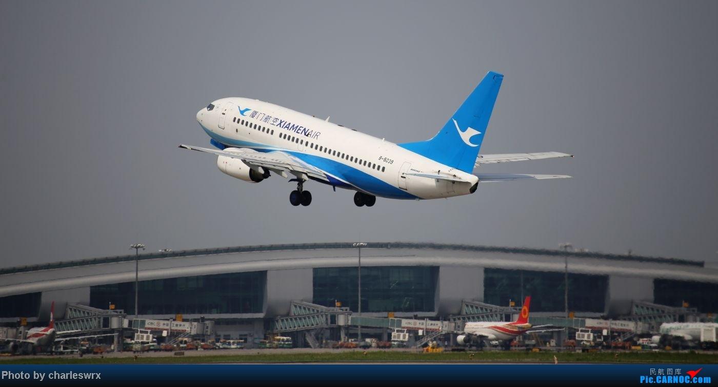 Re:[原创]【迟到的照片】迎接南航787以及隔一天的煤堆土堆烂天小拍 BOEING 737-700 B-5039 中国广州白云机场  记者MM