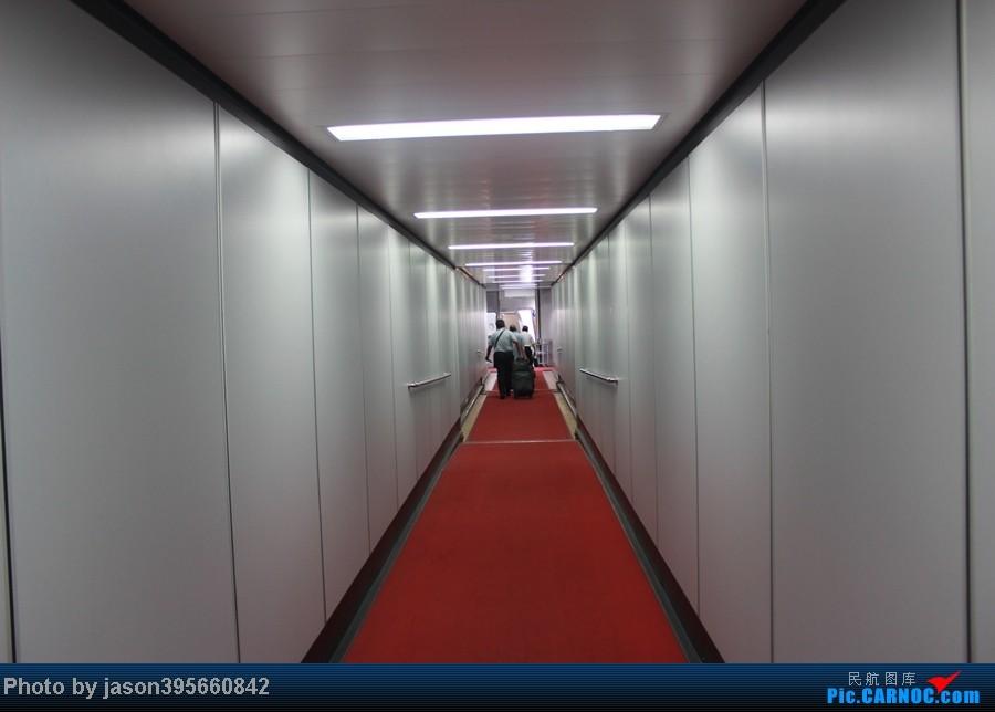 Re:[原创]上学时间的特殊旅行暨帝都首次莅临 BOEING 777-200 B-2052 中国北京首都机场 中国北京首都机场