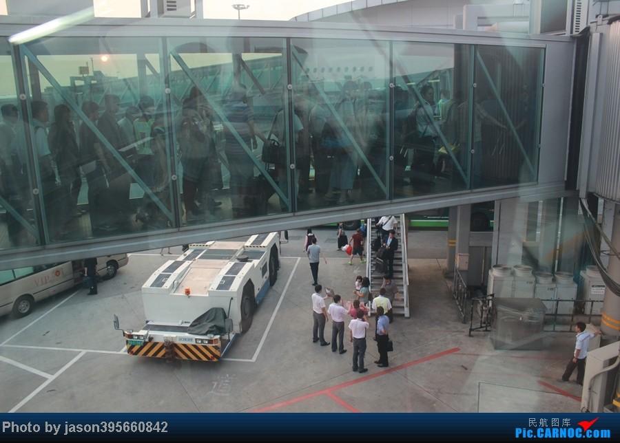 Re:[原创]上学时间的特殊旅行暨帝都首次莅临 AIRBUS A380 B-6138 中国广州白云机场 中国广州白云机场