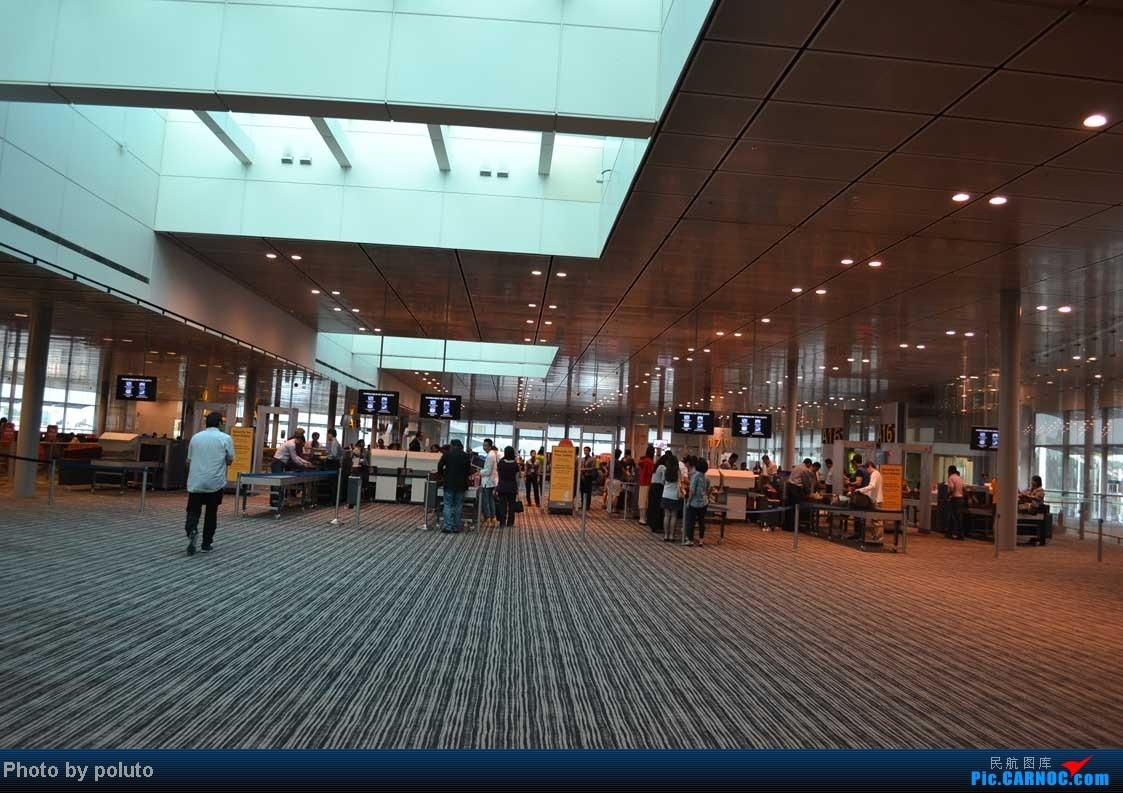 Re:[原创]Dharavandhoo机场-马累-新加坡-香港    新加坡樟宜机场