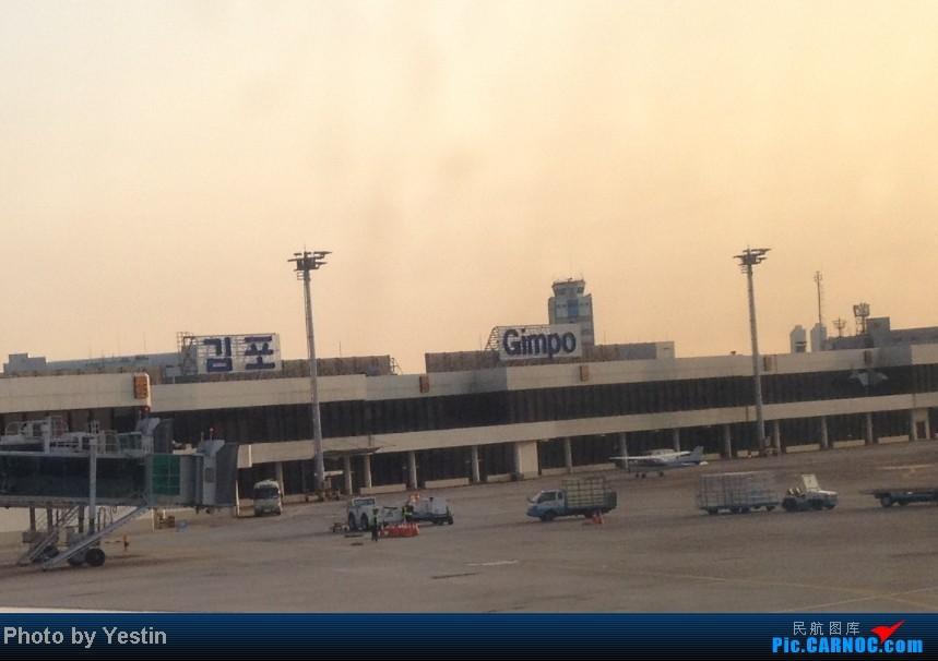 Re:[求]跪求各城市机场航站楼醒目标志LOGO照片,小弟在此谢过了。谢谢谢谢,赠送小飞机o    韩国首尔金浦国际机场