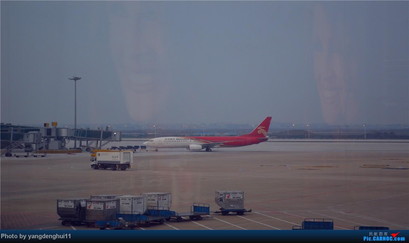 Re:[原创]春运返程帖,因本人今年小升初,so 晚了几个月。。。 BOEING 737-800 B-2692 中国杭州萧山机场