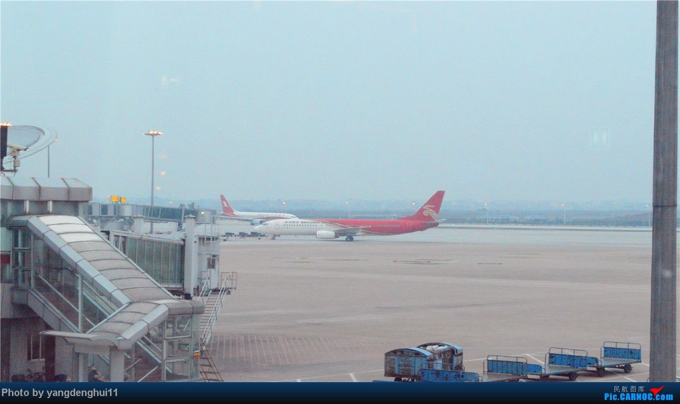 Re:[原创]春运返程帖,因本人今年小升初,so 晚了几个月。。。 BOEING 737-800  中国杭州萧山机场