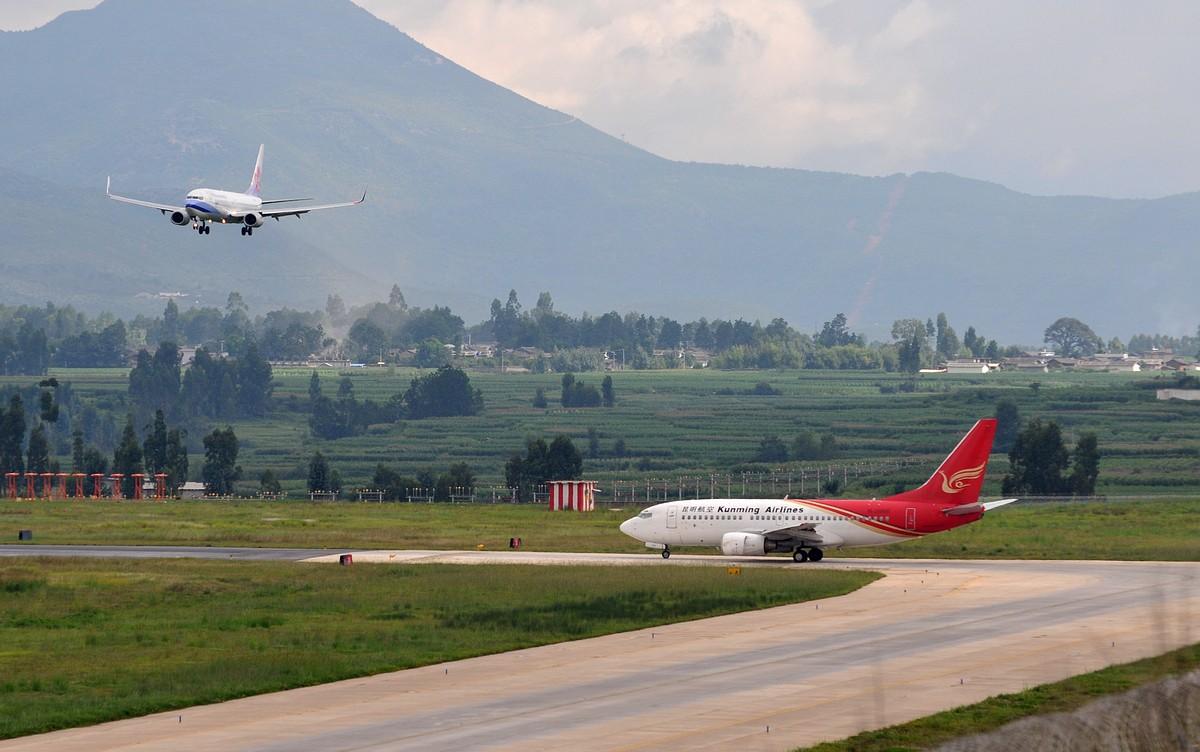 丽江机场一个小时的收获,CI、MU、CZ、FM-------我回来了 BOEING 737-800 B-18652 ljg