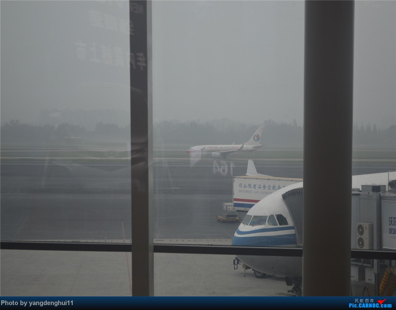 Re:[原创]暑假出游:CTU---PEK---CTU,北京巧遇国航红、蓝凤凰。(上) BOEING 737  中国成都双流机场