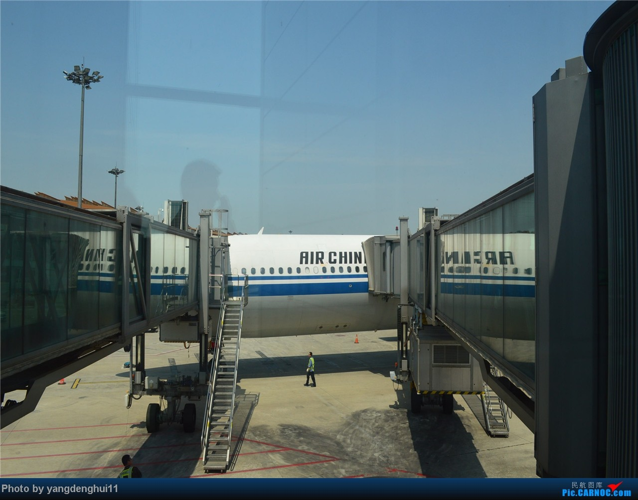Re:[原创]暑假出游:CTU---PEK---CTU,北京巧遇国航红、蓝凤凰。(上) AIRBUS A340-300 B-2387 中国北京首都机场
