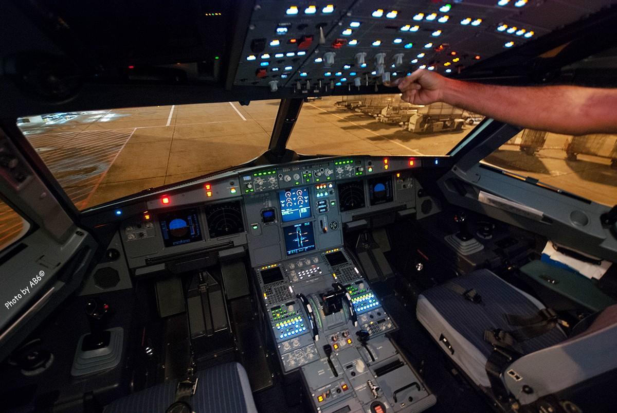 冒个泡发几张 含捷星驾驶舱 飞机穿日 南航787 airbus a320-232 9v图片