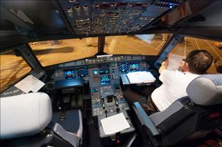 Re:[AB6原创]很久没有发图了,冒个泡发几张 含捷星驾驶舱 飞机穿日 南航787