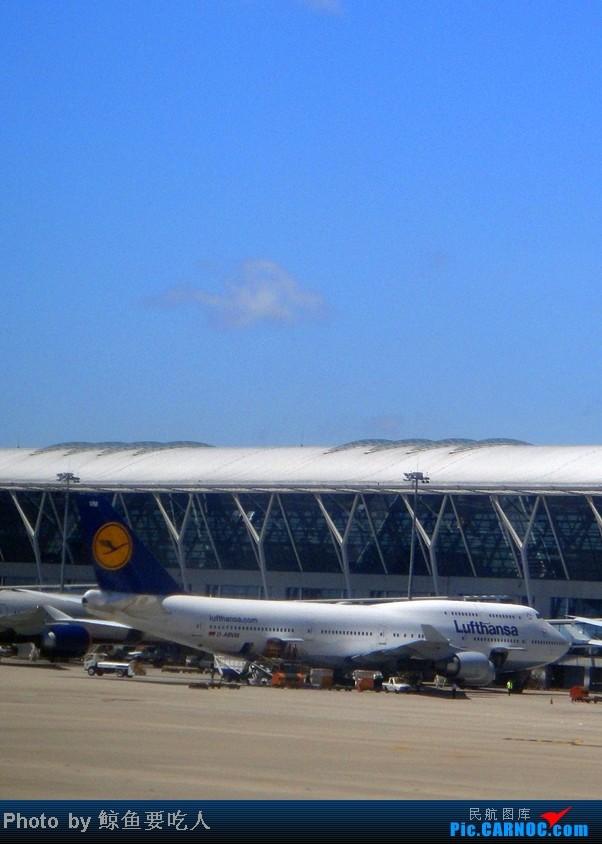 [原创]暑期清凉一夏LX189上海浦东至瑞士苏黎世旅行记,上海浦东国际机场随拍飞机(2) BOEING 747-400