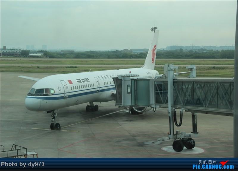 Re:[原创][NKG馄饨摊]【dy游记4】MU再体验,鄂尔多斯游记,MU2729,空客A320 BOEING 757-200 B-2855