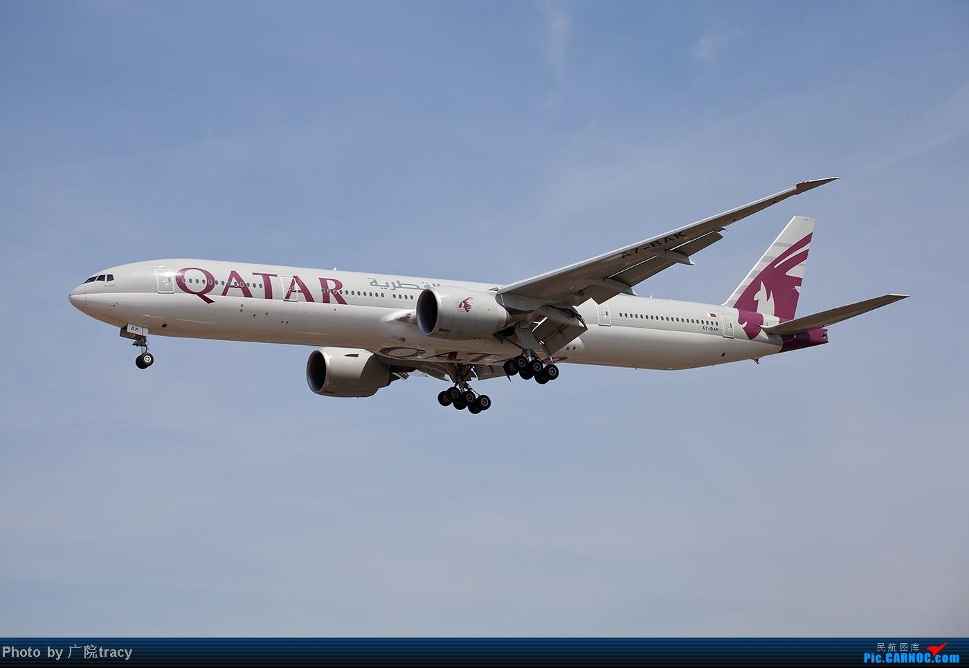 Re:[原创]★ ★ ★ ★ ★中东的航空公司在伦敦希斯罗国际机场  ★ ★ ★ ★ ★ BOEING 777-300ER A7-BAK 英国伦敦希思罗机场