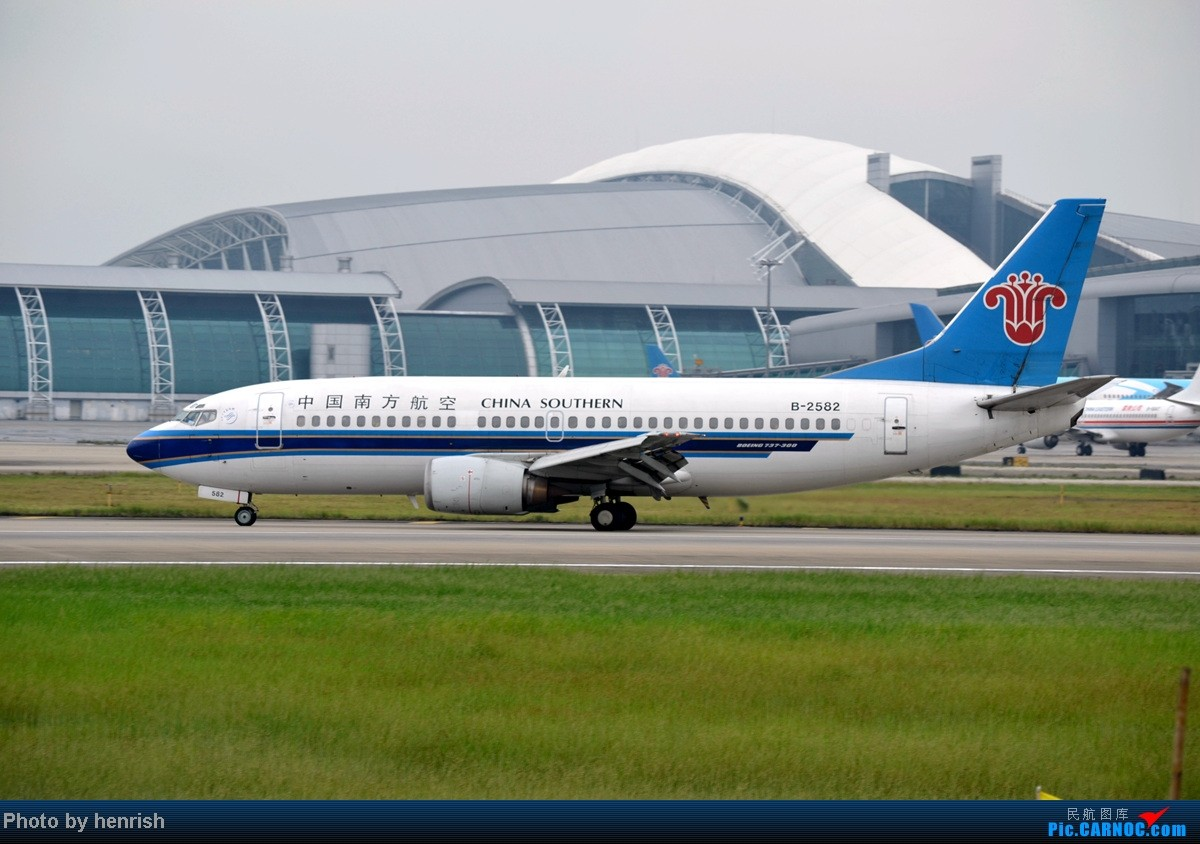 Re:[原创]16AUG,与民哥,老徐于CAN西跑道打飞机,那些阴天里的激情!【广东青少年拍机小队】【广州,你好!】 BOEING 737-300 B-2582 中国广州白云机场