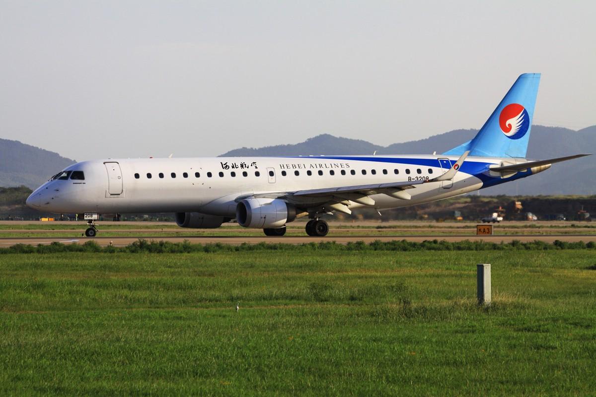 [原创]似乎一年没拍飞机 EMBRAER E-190 B-3208 中国南京禄口机场