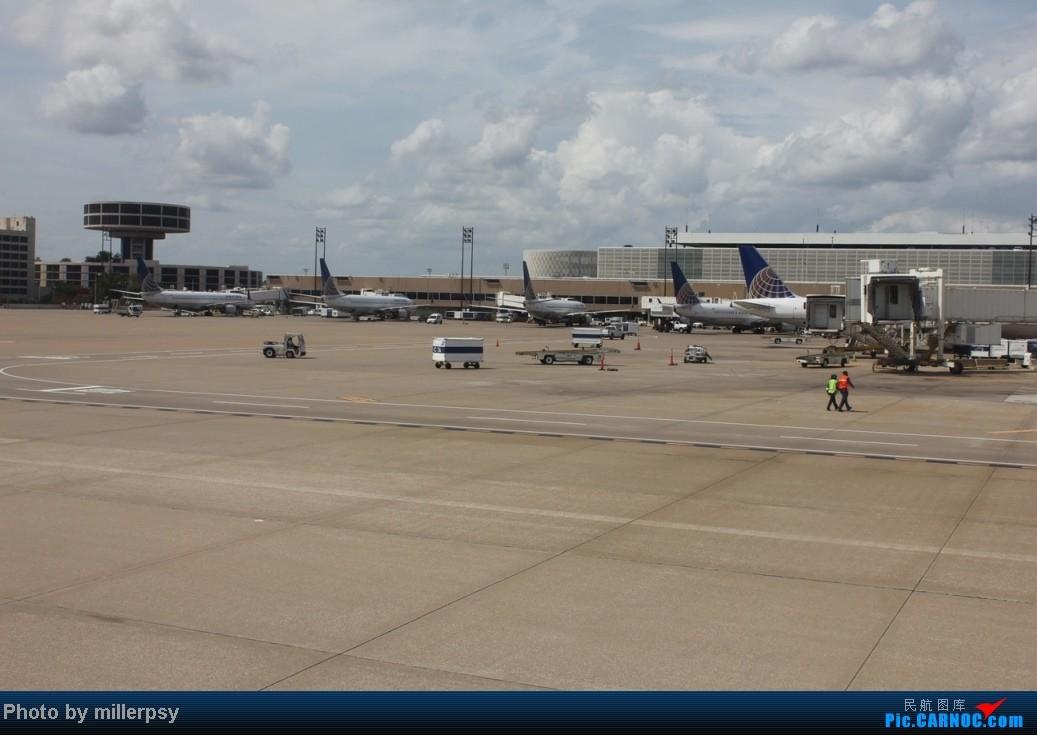 Re:[原创]阿拉斯加之旅,雪山,房车,头等舱 AIRBUS A320 N216FR 美国休斯敦机场