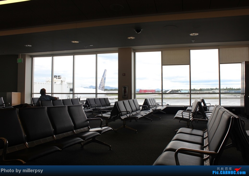 Re:[原创]阿拉斯加之旅,雪山,房车,头等舱 BOEING 757-300 N56859 美国泰德·史蒂文斯安克雷奇机场