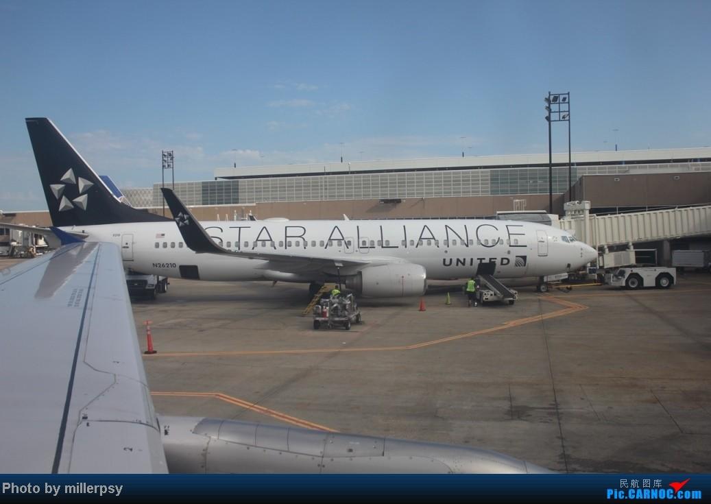 Re:[原创]阿拉斯加之旅,雪山,房车,头等舱 BOEING 737-800 N26210 美国休斯敦机场