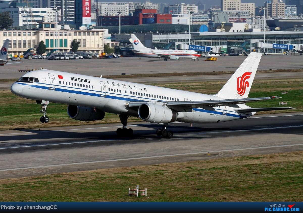 Re:[原创]【chenchangCC】图不能断了,继续巫家坝起飞 BOEING 757-200 B-2826 中国昆明巫家坝机场