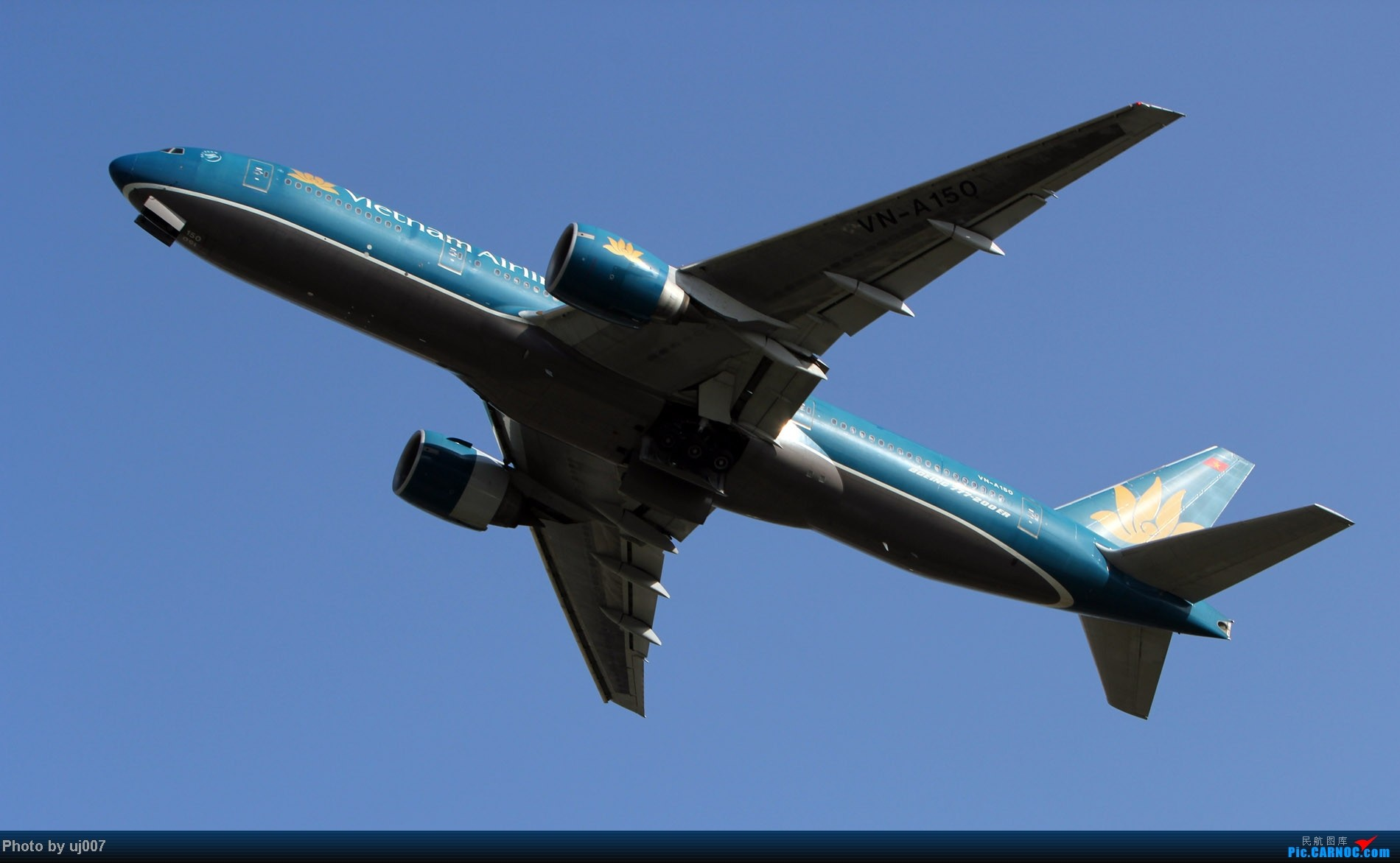 Re:[原创]10月2日白云拍机,超级多图系列(大飞机,特别妆,外航,闪灯,擦烟)求指点. BOEING 777-200ER VN-A150 中国广州白云机场